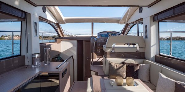 Sessa C42_Interior_25